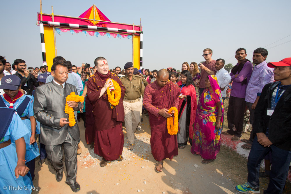 Gyalwa Karmapa Visits the Bodhi Tree School in Bodh Gaya - Karmapa News