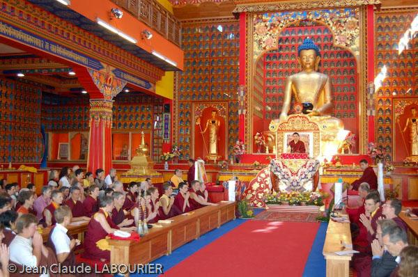 gyalwa karmapa visits dhagpo kundreul ling  le bost  france