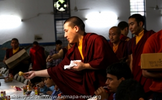 2013-05-06,Delhi: His Holiness the 17th Gyalwa Karmapa celebrates His 30th birthday with a charity even at the Blind Rrlief Association.