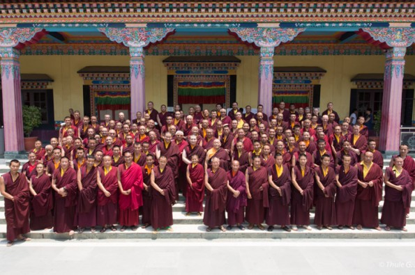 Big group picture with Gyalwa Karmapa, Rinpoches and all the participants