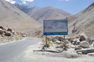 Road sign to Tangtse Monastery