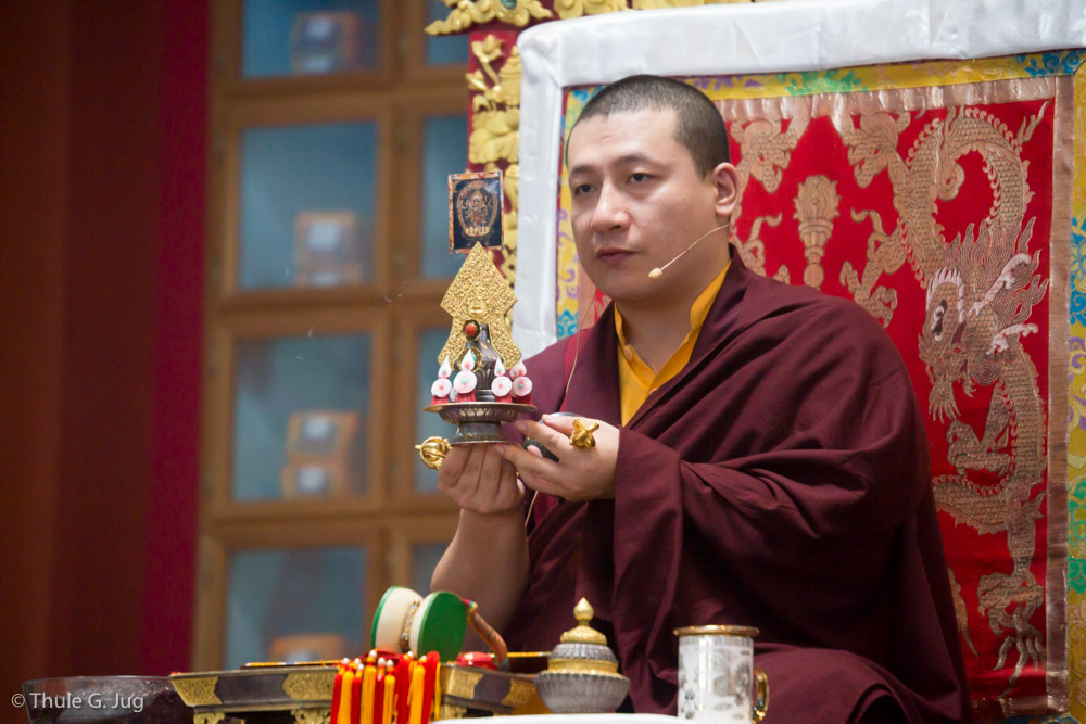 His Holiness Gyalwa Karmapa gives a Mahakala empowerment to about 4000 people