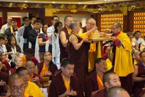 Shangpa Rinpoche offering mandala
