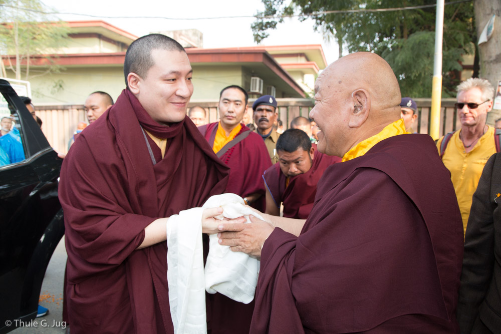 Beru Khyentse Rinpoche welcomes HH Gyalwa Karmapa at the gate of the Karma Temple