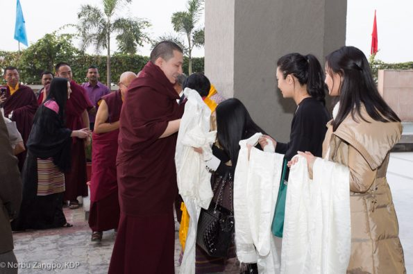Gyalwa-Karmapa-in-Bodh-Gaya-Dec.-6-to-23-2017.-Arrival-of-Sangyumla´s-family-from-Bhutan