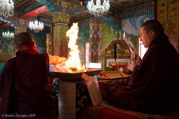 Gyalwa-Karmapa-in-Bodh-Gaya-Dec.-6-to-23-2017.-Chang-Chog-Puja