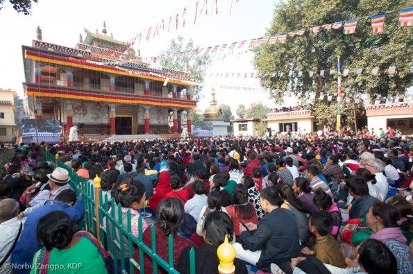 Gyalwa-Karmapa-in-Bodh-Gaya-Dec.-6-to-23-2017.-Chenresig-Empowerment