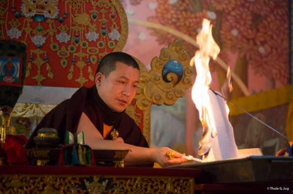 Kagyu-Monlam-2014.-Red-Chenresig-Puja-with-Gyalwa-Karmapa.-©-2014-Thule-G.-Jug