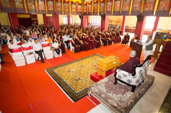 One-Year-Commemoration-Ceremony-of-the-Passing-of-HH-the-14th-Shamarpa-Mipham-Chokyi-Lodro-with-Gyalwa-Karmapa-and-lamas-from-the-Karma-Kagyu-School