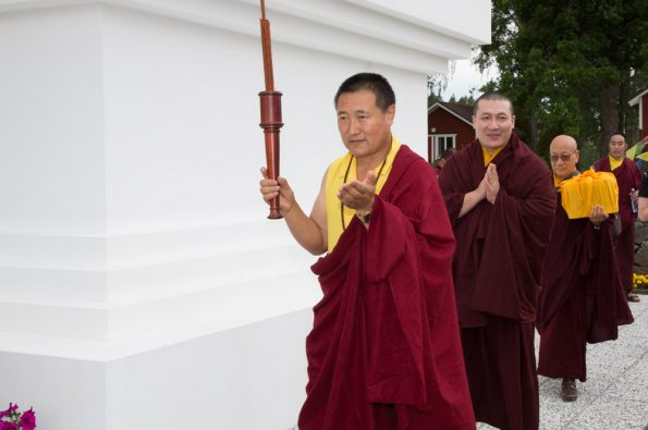 Karmapa-visits-Sweden-17-07-24-to-30.-Arrival-in-the-Retreat-Center-Karma-Dechen-Ösel-Ling