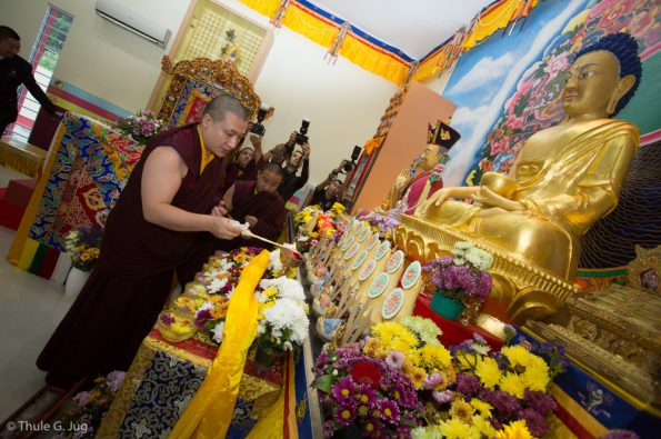 Gyalwa-Karmapa-visits-Kuching-September-26th-to-October-2nd-2017-Arrival-of-HH-Gyalwa-Karmapa-in-Kuching