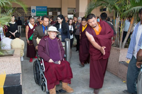 Gyalwa-Karmapa-in-Bodh-Gaya-Dec.-6-to-23-2017.-Arrival-of-Karmapa´s-parents-from-New-Delhi