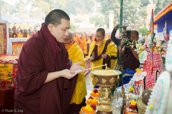 Gyalwa-Karmapa-in-Bodh-Gaya-Dec.-6-to-23-2017.-Kagyu-Monlam
