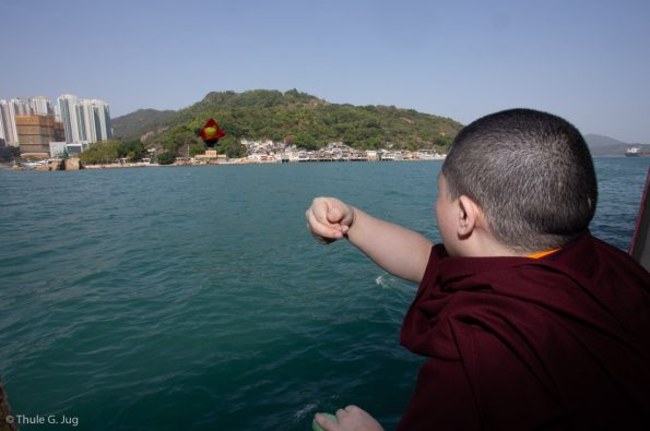 Karmapa-in-Hong-Kong-2018-03-31-to-04-09.-Fish-Release-Ceremony